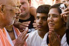Dia 25 de dezembro de 2015 é Natal, a ocasião do divino aparecimento de Jesus Cristo! Neste dia tão especial, oferecemos um presente: uma maravilhosa aula de Srila Bhaktivedanta Narayana Gosvami Ma…