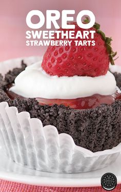 Rich strawberry filling topped with a whipped cream dollop, all in an Oreo crust. Will you be my valentine, OREO Sweetheart Strawberry Tarts? Oreo Cupcakes, Sweet Cupcakes, Oreo Cookies, Strawberry Tarts, Strawberry Filling, Oreo Cheesecake Bites, Oreo Crust, Cupcake Recipes, Dessert Recipes