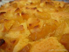 Cake of almonds with caramelised Apple - Coc d'ametlla amb poma caramel·litzada (23) - no tot són postres... a la cuina