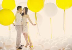 Oversized balloons engagement pictures, balloon decor, engag session, balloon engag, wedding planners, engagement shoots, balloons, photo backdrops, photography studios