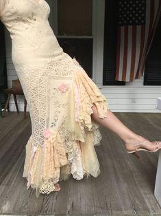Glam Vintage Lace Wedding Dress by Arlette Michelle Vintage Glam, Vintage Lace Weddings, Vintage Inspired, White Lace Skirt, Lace Dress, Boho Fashion, Fashion Dresses, Couture Fashion, Style Bobo Chic