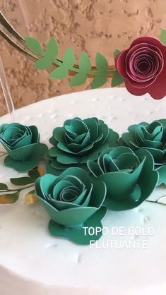 Paper Flowers Craft, Giant Paper Flowers, Flower Crafts, Paper Crafts, Diy Cake Topper, Cake Toppers, Cake Decorating Videos, Mermaid Cakes, Handmade Tags