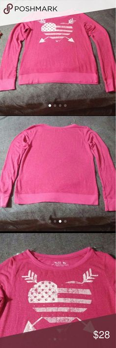 Miss Me top Large Nwot pink Nwot Miss Me long sleeve top sz Large. Heart and arrows with bling. Armpit to armpit is 19 inches across. This fuzzy look is the factory look not worn. Miss Me Sweaters Crew & Scoop Necks