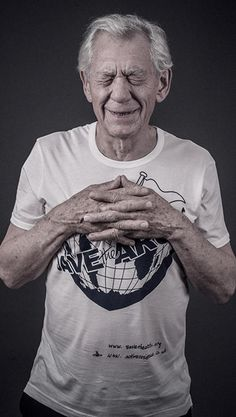 Ian McKellen im Save-The-Arctic-T-Shirt