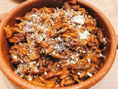 Een topreceptje dat wat inspanning vraagt maar waarvoor je zonder twijfel complimentjes zal krijgen. Pasta, Orzo, Beans, Vegetables, Ethnic Recipes, Food, Seeds, Beans Recipes, Veggie Food