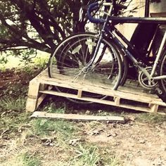 #palletcraft bike rack. Made with free pallets