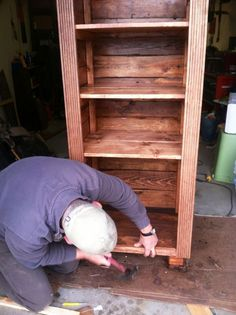 Build a beautiful storage unit from pallet wood -- practically free!