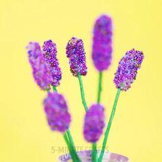 Glue Gun & Beads flowers Flower Pot Crafts, Flower Pots, Lavender Flowers, Beaded Flowers, Art Day, Insta Art, Nail Art, Diy Crafts, Drawings