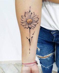 daisy april, daffodils march, aster September, nov - My site Aster Tattoo, Botanisches Tattoo, Tattoo Photo, Tattoo Skin, Daisy Flower Tattoos, Sunflower Tattoos, Flower Tattoo Designs, Daisies Tattoo, White Daisy Tattoo