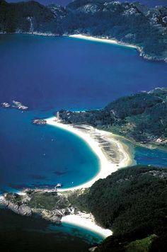 Playa de Rodas. Illas Cies. Ria de Vigo. Galicia. Spain.