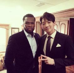 #Rain Snaps a Picture With Rapper 50 Cent More: http://www.kpopstarz.com/articles/76301/20140129/rain-picture-with-rapper-50-cent.htm