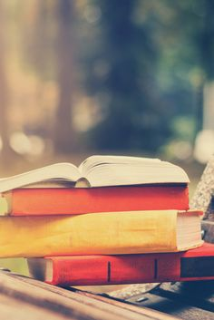 6 συν 1 Ιστορικά μυθιστορήματα Ελλήνων συγγραφέων για την άνοιξη