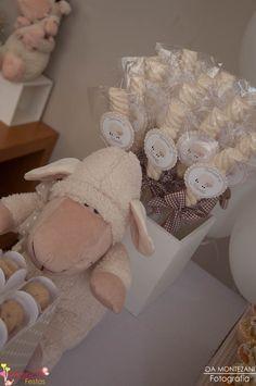 Batizado ovelha (menino), marshmallow personalizados by Mariah festas.