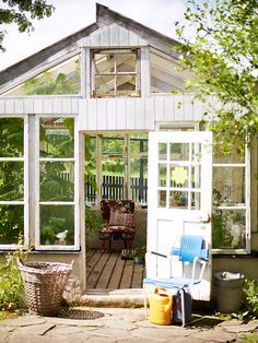 casual, recycled green house