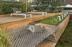 7 Design Lessons To Learn From This Awesome Roof Deck In Chicago // Build in fur. - 7 Design Lessons To Learn From This Awesome Roof Deck In Chicago // Build in furniture when you can - Backyard Seating, Backyard Patio, Backyard Landscaping, Backyard Ideas, Backyard Hammock, Balcony Ideas, Lounge Seating, Deck Hammock Ideas, Seating Area In Garden