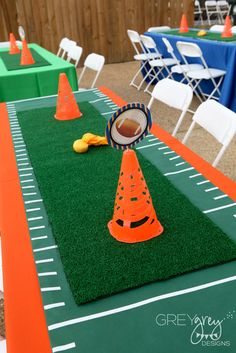 decorations for birthday party of football party!table decorations for birthday party of football party! Sports Themed Birthday Party, Football Birthday, Boy Birthday Parties, 2nd Birthday, Flag Football Party, Kids Football Parties, Football Party Decorations, Kids Sports Party, Sports Party Favors