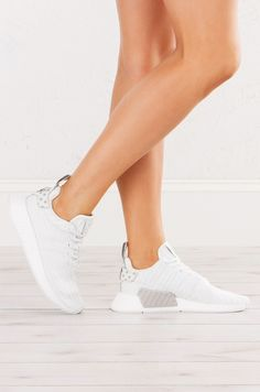Adidas Womens Nmd_r2 W in Grani Vintage White White