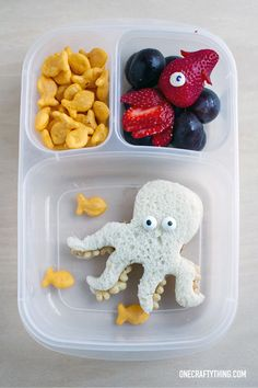 Lunch doesn't have to be boring! Get a little creative to get started #LunchingAwesome!