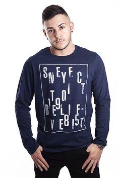 Camiseta masculina manga longa estampada. Ideal para os dias mais frios! Encontre mais modelos em Boluchi.