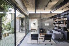 Galería de Casa desnuda / Jacobs-Yaniv Architects - 1