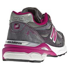 The legendary Made in USA 990 series comes full circle with the newest release from New Balance! The Lace Up for the Cure® edition of the women's 990 features a Komen-themed classic design with a universal appeal, from its premium pigskin upper with mesh inserts for breathability to the stability-enhancing ABZORB® midsole plus ENCAP to promote a healthy gait. Whether you're running five miles a day or rushing from class to class on your feet, the seriously comfortable 990 takes you…