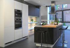 #Küche in Anthrazit #Kücheninsel www.dyk360-kuechen.de