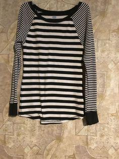 Black/white old navy shirt