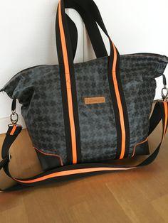 staars von farbenmix mit neon - mein freebook in sportlich overnightbag JOHNBOY - bagpattern freebie for beginners