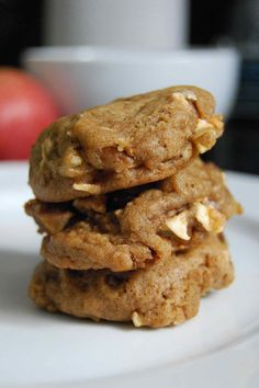 Reminds me of the apple cookies mom use to make. apple pie cookies and other fall recipes Apple Recipes, Fall Recipes, Cookie Recipes, Dessert Recipes, Dessert Ideas, Drink Recipes, Sweet Recipes, Yummy Recipes, Apple Pie Cookies