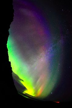Aurora Borealis and Milky Way - Northern Lights view from Iceland! Cosmos, Beautiful Sky, Beautiful World, Ciel Nocturne, Cool Pictures, Beautiful Pictures, Foto Real, To Infinity And Beyond, Natural Phenomena