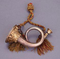 NMM 7213. Miniature natural horn by Johann Wilhelm Haas, Imperial City of Nürnberg, 1681.