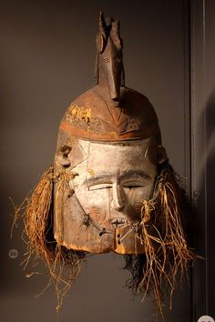 Mask (mwila) - Suku - Royal Museum for Central Africa