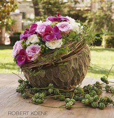 flowers Source by Backyard Vegetable Gardens, Vegetable Garden Design, Simple Flowers, Beautiful Flowers, Floral Centerpieces, Floral Arrangements, Diy Garden Fence, Vine Design, Arte Floral