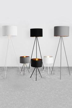 Egal, ob diese Lampen an oder aus sind – Tris ist Design mit Wow-Faktor. Die Kollektion umfasst Steh- und Tischlampen mit einem Baumwollschirm, der innen mit einem angesagten Metallic-Finish überrascht.