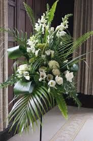 Best Beautiful Flowers Arrangement Ideas For Your Wedding - Life Hack Funeral Floral Arrangements, Easter Flower Arrangements, Modern Floral Arrangements, Beautiful Flower Arrangements, Beautiful Flowers, Church Wedding Flowers, Altar Flowers, Funeral Flowers, Silk Flowers