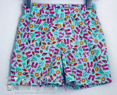 Girls shorts. Girls beach shorts. Girls summer shorts. Elasticated waist. Flip flops Sizes 2T,3T, 4T,5. - pinned by pin4etsy.com