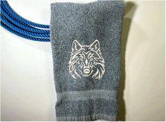 Bath Hand Towel, Wolf Design – Borgmanns Creations Red Towels, Rustic Home Interiors, Wolf Design, Kitchen Towels, Farmhouse Decor, Kids Room, Bathroom, Gifts, Decor Ideas