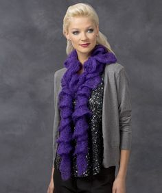 Madame Scarf: super fast and easy free crochet pattern - One in each color? ;-) Crochet Ruffle Scarf, Crochet Scarves, Crochet Shawl, Crochet Clothes, Free Crochet, Knit Crochet, Crochet Crafts, Crochet Projects, Crocheted Hats