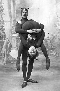 Strange entertainers