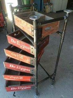 ❤️ so cool #vintageindustrialfurniture #diyfurniturerepurpose