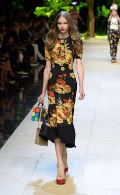 Dolce & Gabbana | Ready-to-Wear Spring 2017 | Look 77