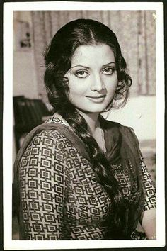 Bollywood Posters, Bollywood Cinema, Bollywood Photos, Rekha Actress, Old Actress, Indian Celebrities, Bollywood Celebrities, Yogeeta Bali, Most Beautiful Bollywood Actress