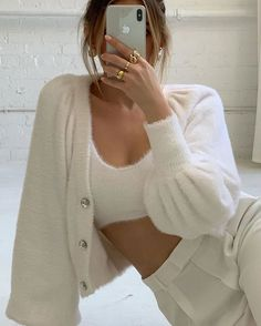 Imagem March 03 2020 at fashion-inspo Style Outfits, White Outfits, Mode Outfits, Cute Casual Outfits, Fashion Outfits, Womens Fashion, Fashion Tips, Summer Outfits, Fashion Ideas