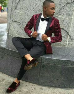 Prom Outfits For Guys, Suits For Guys, Prom For Guys, Prom Suits For Men, Casual Wedding Suit, Wedding Suits, Prom Tuxedo, Tuxedo Wedding, Maroon Prom Suit