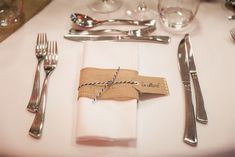 Le mariage d'Astrid et Vincent - Thème champêtre | Photographe : Samantha Pastoor | Donne-moi ta main - Blog mariage