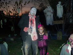 Next Generation of Haunters.Something wicKED this way comes....: Wicked Woods Cemetery Halloween 2011