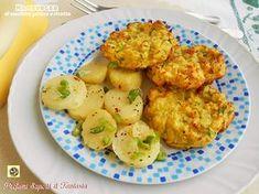 Gli hamburger di zucchine patate e ricotta sono una gustosa pietanza vegetariana. Una ricetta molto facile vi permetterà di servirli a pranzo o a cena.