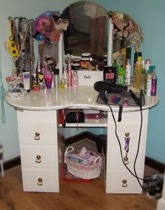 Makeup Storage Table | makeup storage
