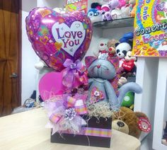 Valentine Crafts, Valentines Day, Valentine Ideas, Candy Bouquet, Diy And Crafts, Balloons, Packing, Gifts, Gift Ideas