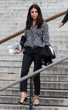 Bethenny Frankel Attends Divorce Court Hearing Ex Jason Hoppy Still Wearing Office Outfits, Casual Outfits, Cute Outfits, Work Outfits, Court Outfit, How To Wear Rings, Bethenny Frankel, Ny Style, Work Wardrobe